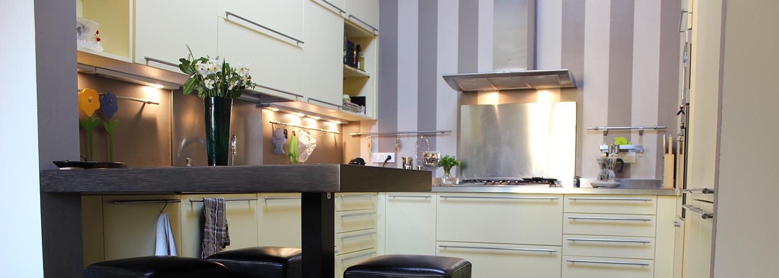 Illuminazione Volte A Padiglione: Soffitto a cassettoni moderno cucina e soggiorno un unico ...